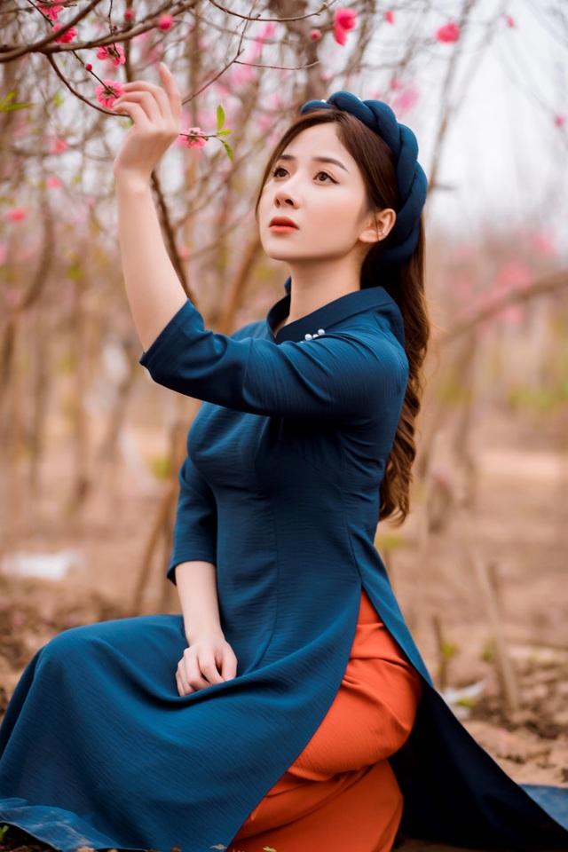 Nữ sinh Báo chí xúng xính áo dài đón Xuân sang - 14