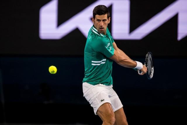 Australian Open: Đương kim vô địch Djokovic thắng dễ như đánh tập - 1