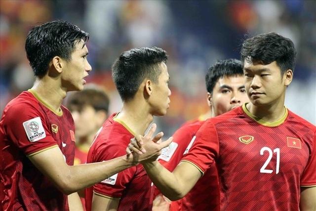 Các tuyển thủ Việt Nam chúc Tết độc giả Dân trí - 3