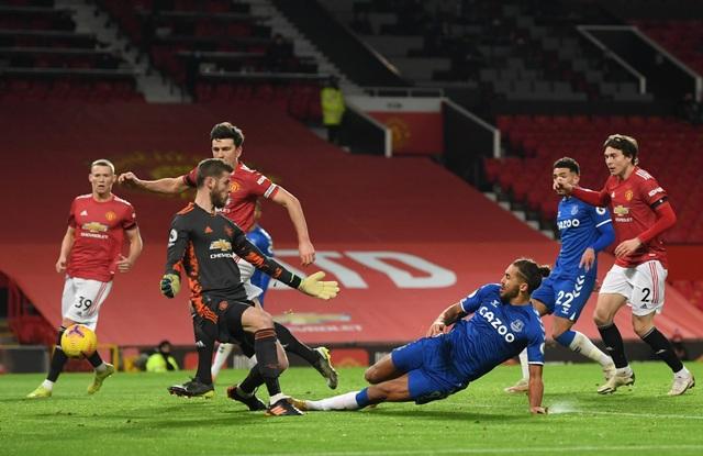 Sai lầm liên tiếp, De Gea mất suất bắt chính ở Man Utd? - 2