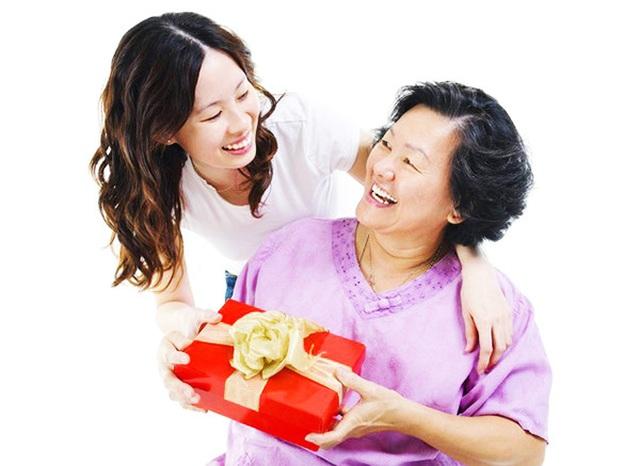 Mùng một Tết cha, mùng 2 Tết mẹ, mùng 3 Tết thầy: Điều kỳ diệu của Tết Việt - 2