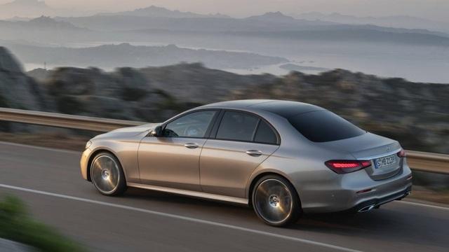 Xe Trung Quốc lọt Top 10 mẫu sedan hạng sang bán chạy nhất thế giới - 1