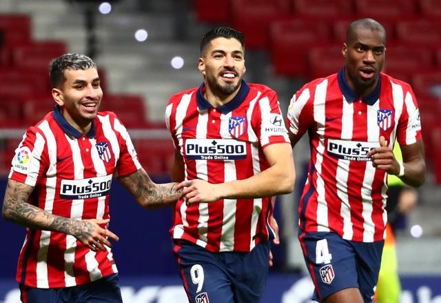 Luis Suarez lập cú đúp trong ngày Atletico rơi chiến thắng đáng tiếc - 4
