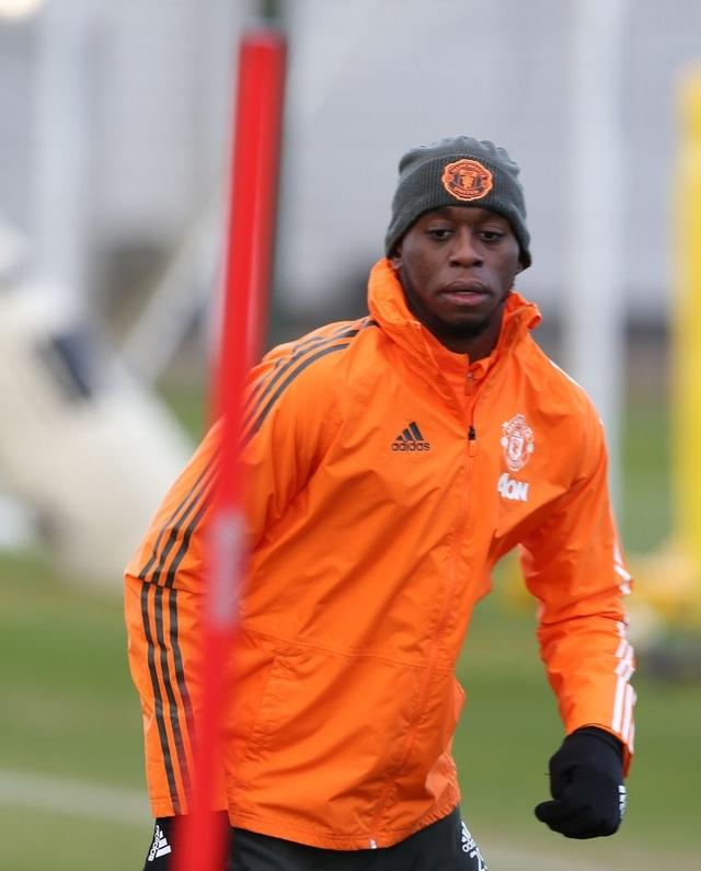 Thần đồng 17 tuổi lên tập cùng đội hình chính của Man Utd - 14