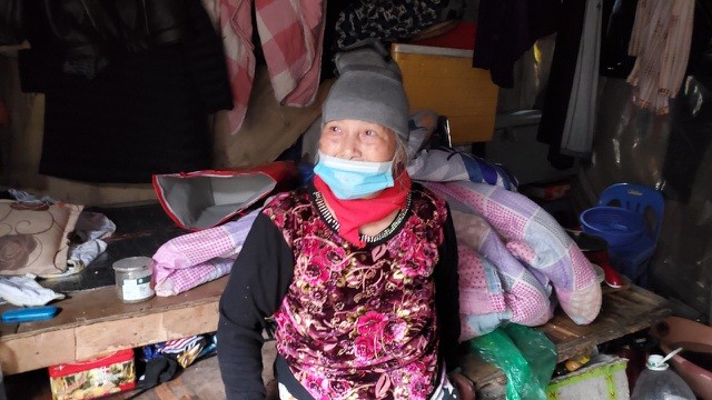 Tết xa quê của người lao động nghèo giữa lòng Hà Nội - 1