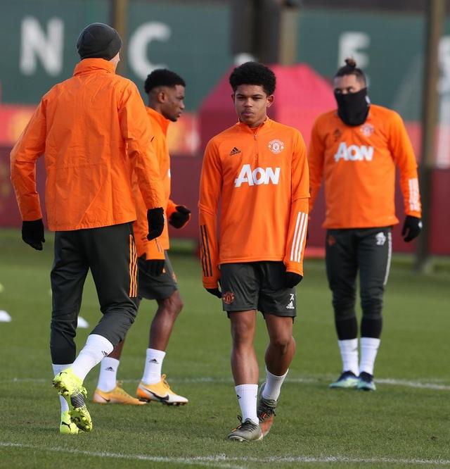 Thần đồng 17 tuổi lên tập cùng đội hình chính của Man Utd - 3