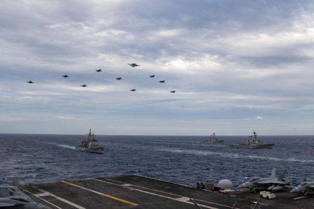 Hai nhóm tác chiến tàu sân bay Mỹ tập trận ở Biển Đông - 1