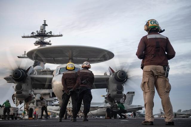 Hai nhóm tác chiến tàu sân bay Mỹ tập trận ở Biển Đông - 4