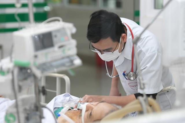 Tết trực chiến của các blouse trắng trên tuyến đầu chống dịch - 7