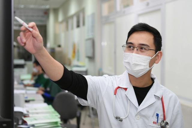 Tết trực chiến của các blouse trắng trên tuyến đầu chống dịch - 5