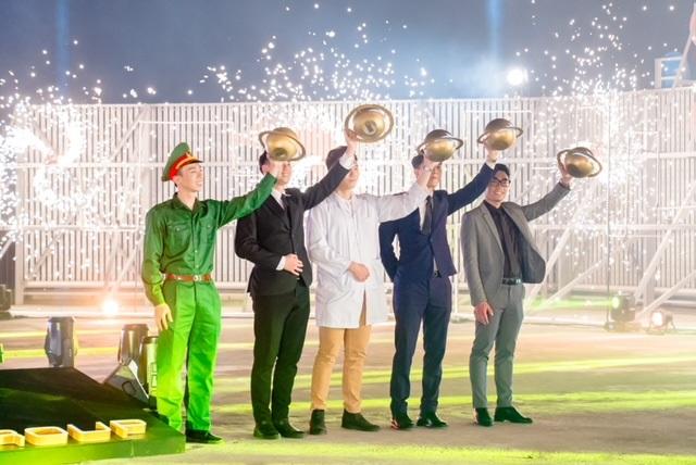 Tết Ánh Dương - Siêu trình diễn âm nhạc và ánh sáng đón Giao Thừa kết hợp với công nghệ AR - 2