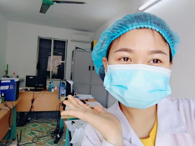 Hải Dương: Sinh viên không về ăn Tết, tình nguyện tới tuyến đầu chống dịch - 1