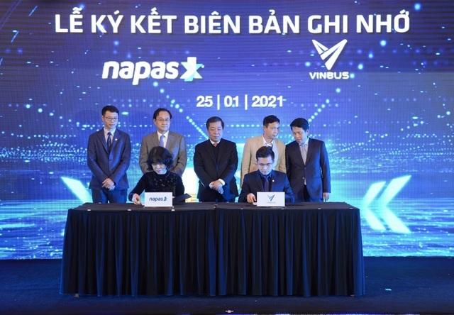 VINBUS và NAPAS ký thỏa thuận hợp tác thanh toán thẻ vé điện tử - 1