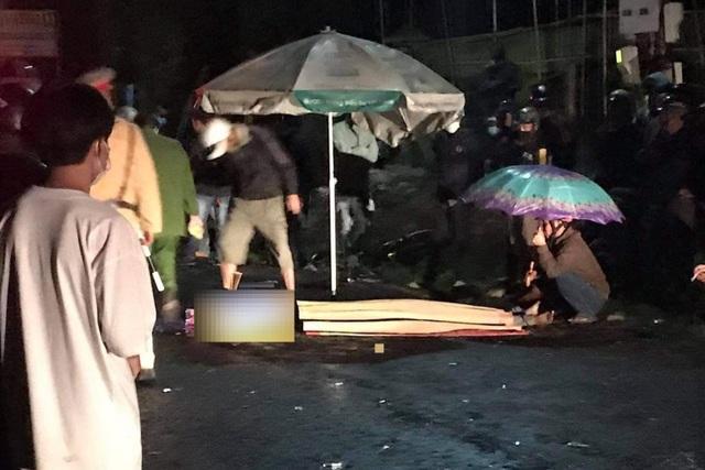 Xe máy đối đầu, hai thanh niên tử vong tại chỗ đêm 28 Tết - 1