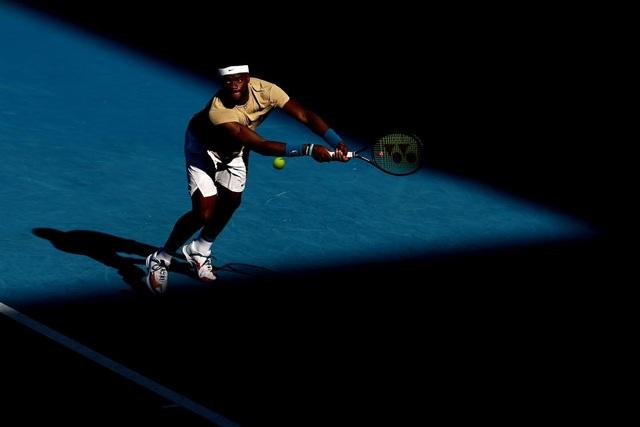 Australian Open: Djokovic thắng nhọc nhằn trước đối thủ 23 tuổi - 1