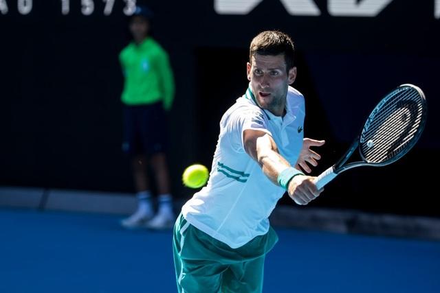 Australian Open: Djokovic thắng nhọc nhằn trước đối thủ 23 tuổi - 3
