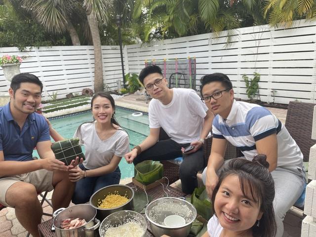 Người Việt ở Mỹ gói bánh chưng đón Tết giữa thời dịch Covid-19 - 10
