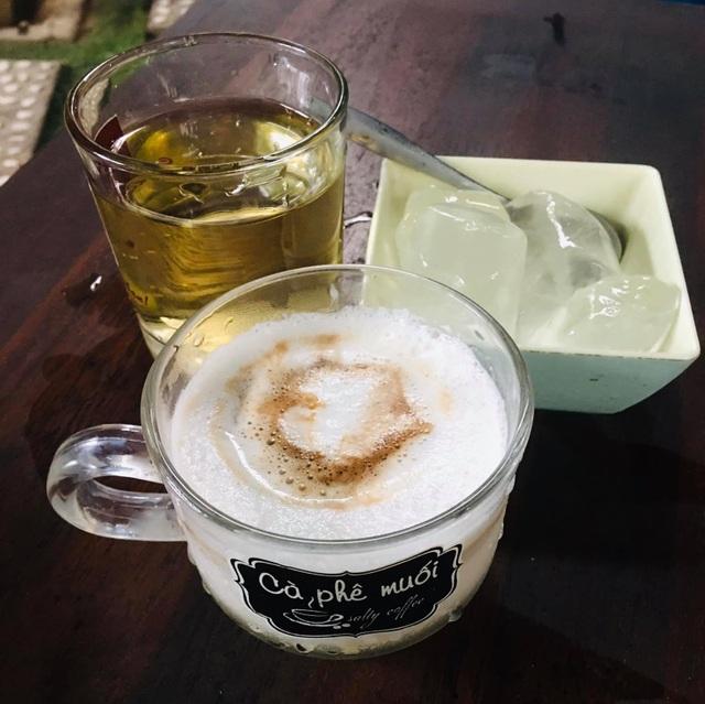Cà phê muối lạ miệng ở Huế, thực khách muốn thưởng thức phải kiên nhẫn chờ - 2