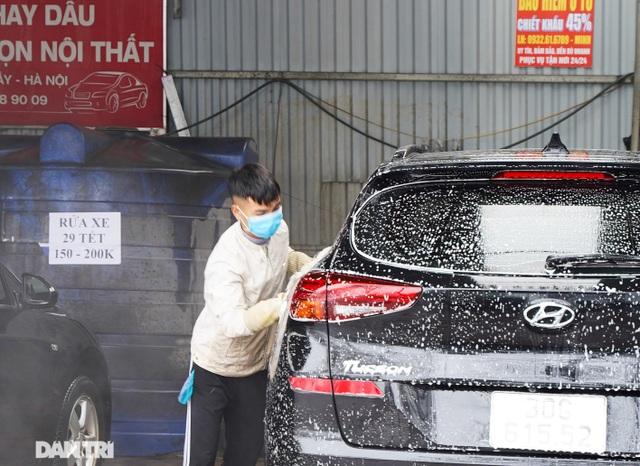 Dịch vụ rửa xe ở Hà Nội hốt bạc dịp Tết Nguyên đán, giá tăng cao gấp 4 lần - 3