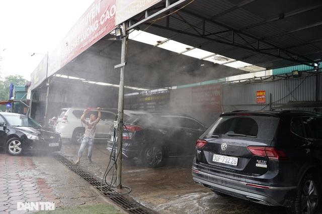 Dịch vụ rửa xe ở Hà Nội hốt bạc dịp Tết Nguyên đán, giá tăng cao gấp 4 lần - 6