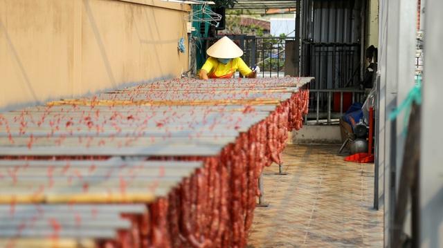 Bán cả chục tấn lạp xưởng mùa Tết, thu lợi hơn 1 tỷ đồng - 6