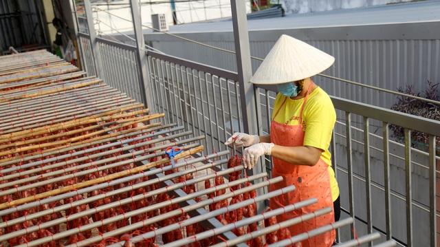 Bán cả chục tấn lạp xưởng mùa Tết, thu lợi hơn 1 tỷ đồng - 7