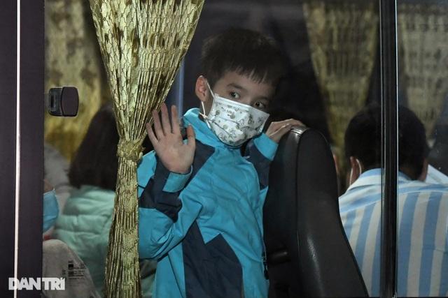 15 học sinh trường tiểu học Xuân Phương được về ăn Tết, cách ly tại nhà - 12