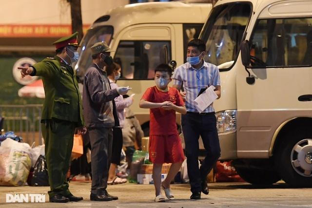15 học sinh trường tiểu học Xuân Phương được về ăn Tết, cách ly tại nhà - 8