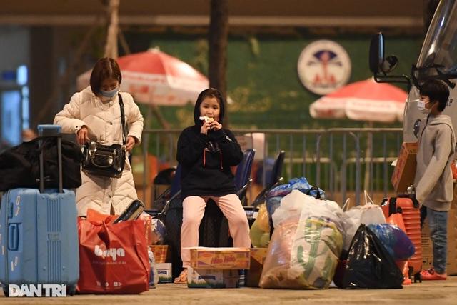 15 học sinh trường tiểu học Xuân Phương được về ăn Tết, cách ly tại nhà - 10