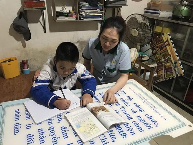 Người mẹ đau đớn cầu xin sự sống cho con ngày áp Tết - 1