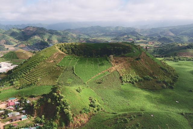 Choáng ngợp vẻ hùng vĩ trong Công viên địa chất ở Đắk Nông - 1