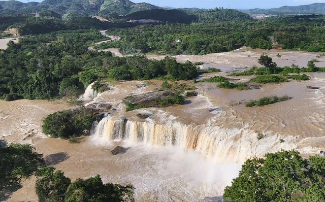 Overwhelmed by grandeur in Geopark in Dak Nong - 7