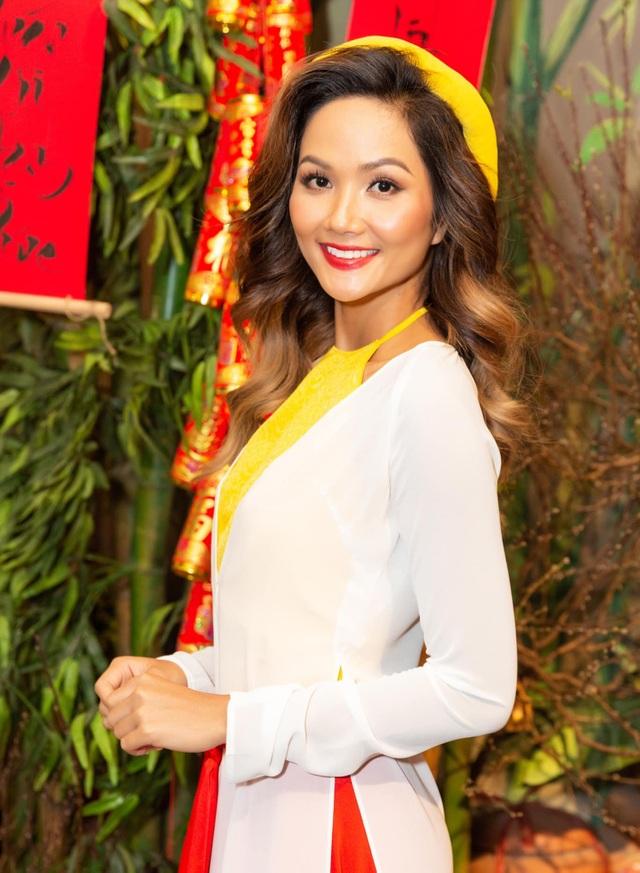 Sao Việt chúc Tết Nguyên Đán 2021 độc giả Dân trí - 1