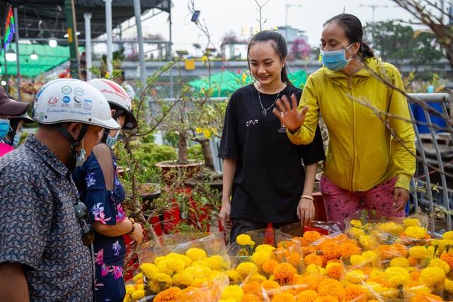 Chợ hoa Xuân ngày cuối năm: Bán tháo đồng giá - 3