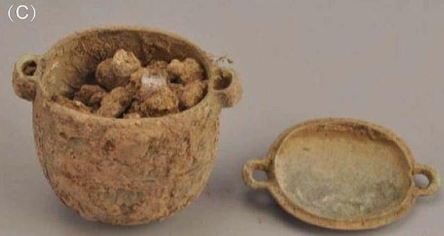 Tìm thấy kem dưỡng da 2.700 năm tuổi trong lăng mộ quý tộc Trung Quốc - 1