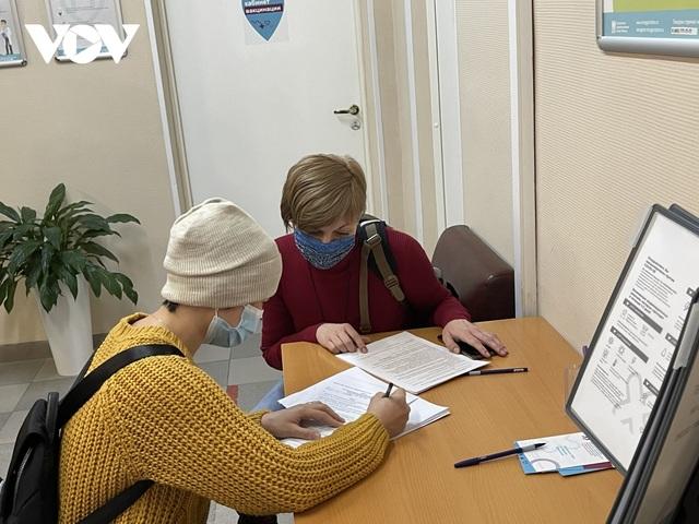 Người Việt tại Nga hưởng ứng việc tiêm vaccine ngừa Covid-19 - 1