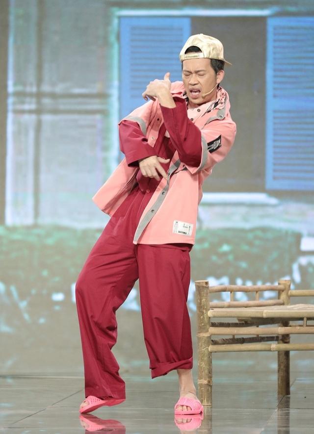 Hoài Linh gây bất ngờ khi hóa rapper Binz cực chất - 2