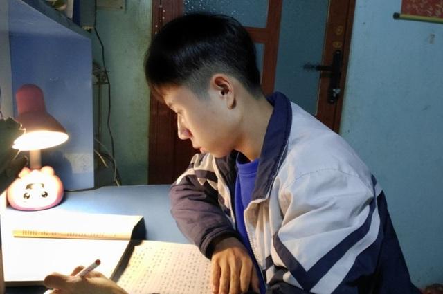 Khát vọng của nam sinh dân tộc Mường giành giải học sinh giỏi quốc gia - 3