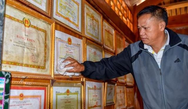 Hai cha con người Mông gần 30 năm bảo vệ cột mốc biên giới - 3