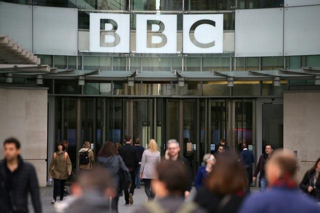 Trung Quốc thẳng tay cấm cửa đài BBC World News - 1