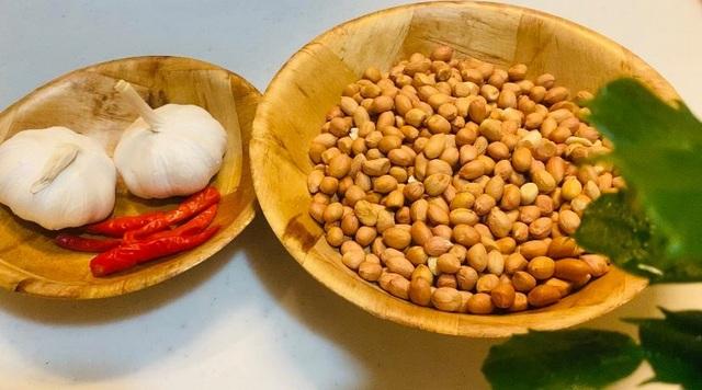 Món ngon ngày Tết: đậu phộng rang tỏi ớt - 2