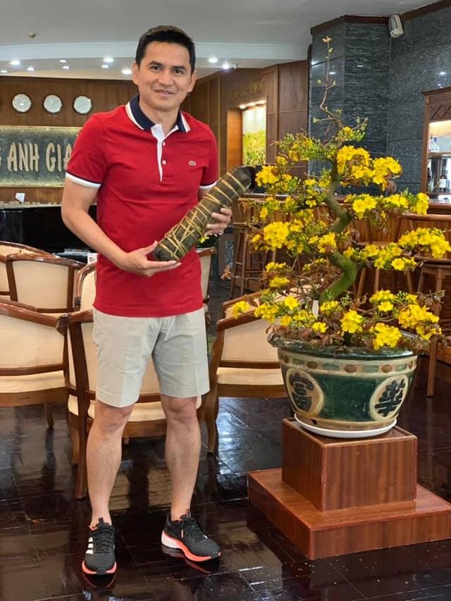 Ngoại binh V-League thi cắn hạt dưa, Văn Lâm khoe có bánh chưng ngày Tết - 3