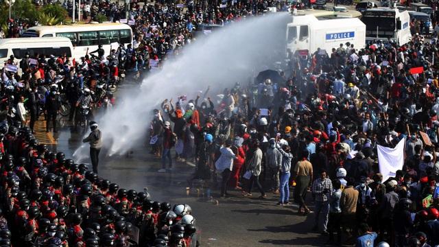 Quân đội Myanmar thả hơn 23.000 tù nhân sau đảo chính - 1
