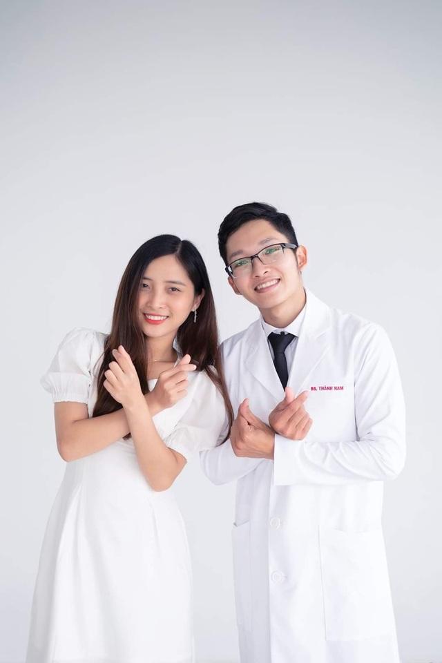 Valentine của chàng bác sĩ trẻ và cô bạn gái âm thầm bên cạnh suốt 8 năm - 5