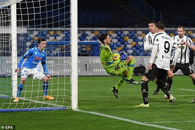 C.Ronaldo bất lực, Juventus gục ngã trước Napoli - 3