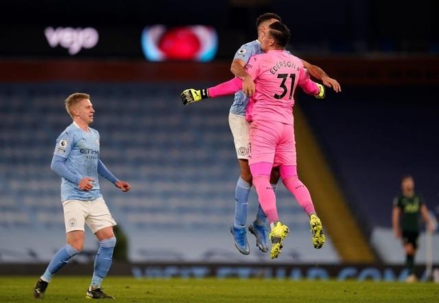 Man City 3-0 Tottenham: Dấu ấn đặc biệt của Gundogan - 4