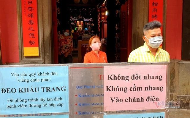 Mùng 3 Tết trùng Valentine, giới trẻ Sài Gòn về chùa Ngọc Hoàng cầu duyên - 3