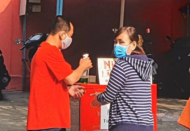 Mùng 3 Tết trùng Valentine, giới trẻ Sài Gòn về chùa Ngọc Hoàng cầu duyên - 4