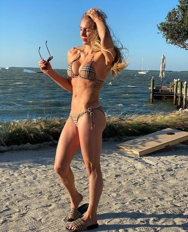 Nữ đô vật xinh đẹp tự tin diện bikini khoe thành quả tập luyện - 3