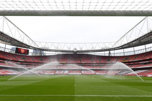 Aubameyang thăng hoa rực rỡ, Arsenal vượt mặt Leeds - 1